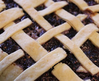 Around The Mulberry Bush [Mulberry Pie Recipe!]