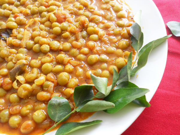 Easy Everyday Peas Curry....step by step.