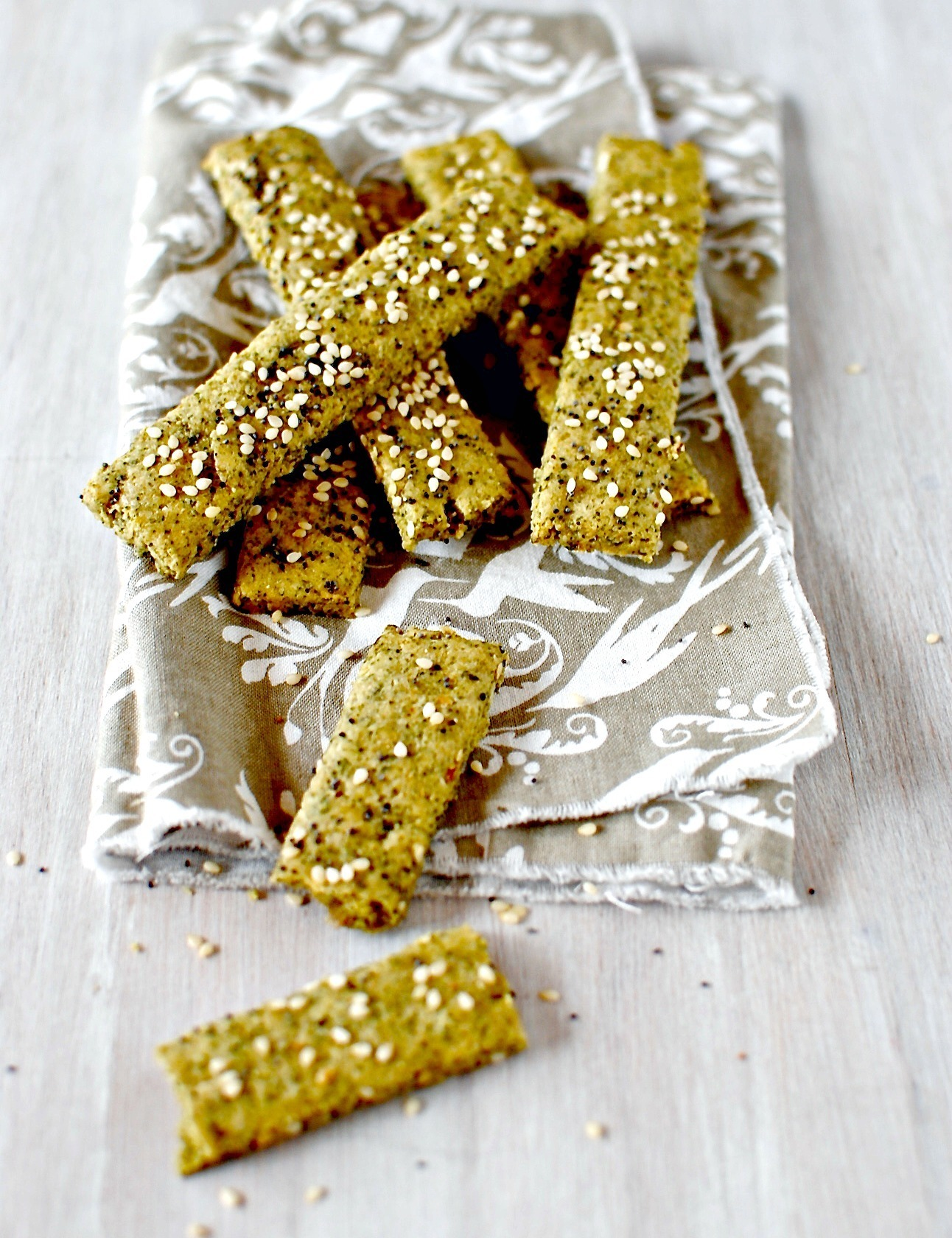 Herbes de Provence Seed and Nut Crackers {grain-free/easily vegan}