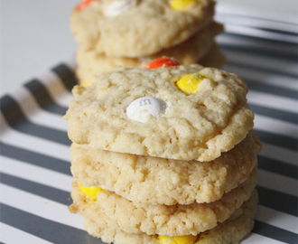 M&M's White Chocolate Candy Corn Cookies