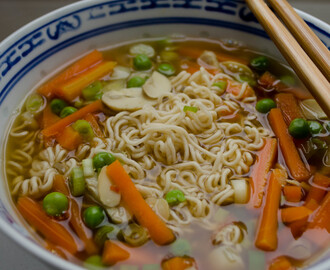 Asia Suppe mit Mie-Nudeln