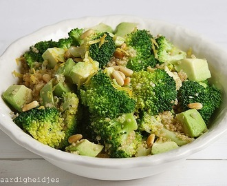 Broccoli met avocado en quinoa