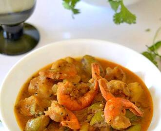 Patol Chingri ( Pointed gourd with Prawns)