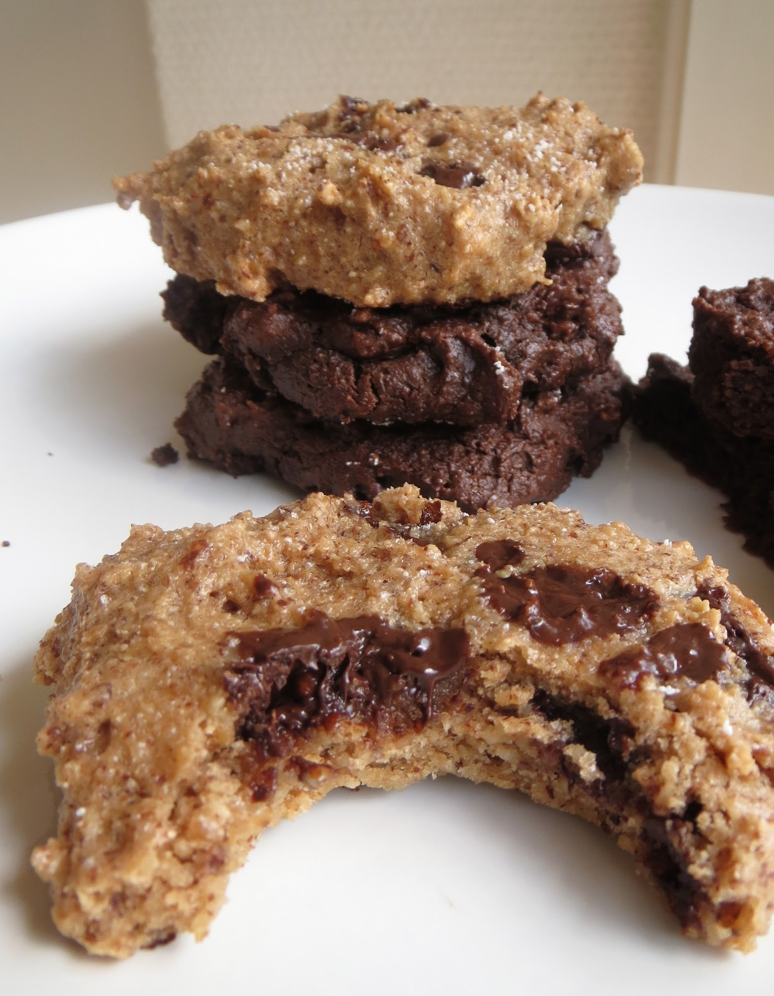 LCHF Chocolate Chip Cookies