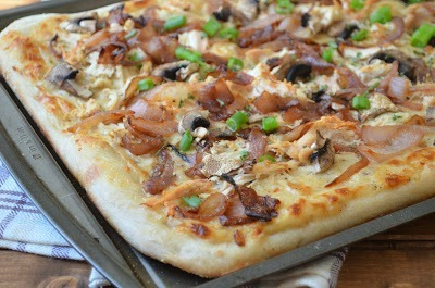 Lighter Chicken, Mushroom and Caramelized Onion White Pizza