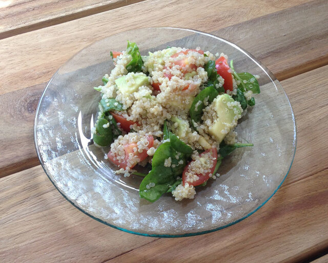 Quinoa spinazie power salade