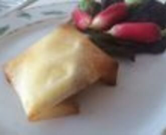 Camembert with Apples in Brick Pastry - La croustille pomme camembert