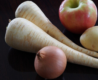 parsnip + apple soup