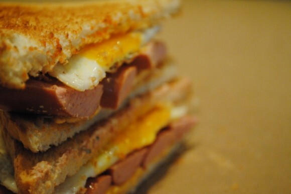Hot dog and egg sandwich toastie recipe