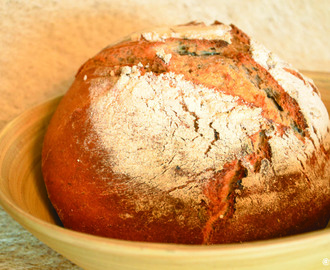 Nussdorfer Landbrot - artisanal wheat sourdough herbal oregano bread