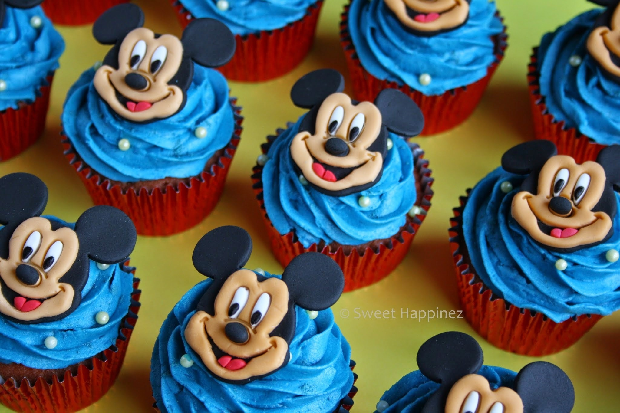 How To | Mickey Mouse Cupcakes
