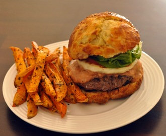 Homemade Burger & Sweet Potato Chips