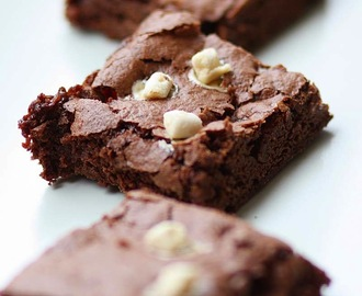 Vegan Hot Chocolate 'Marshmallow' Brownies