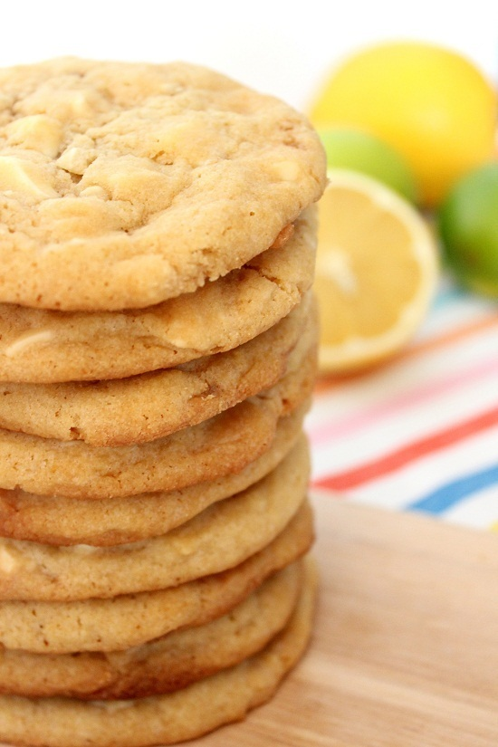 White chocolate chip cookies with lemon