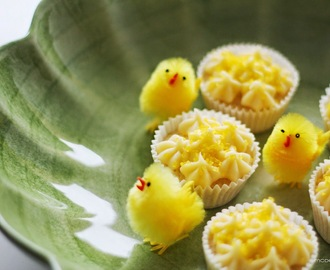 Lemon Curd Easter Cupcakes