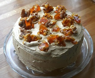 Coffee, cardamon and walnut cake - gluten free