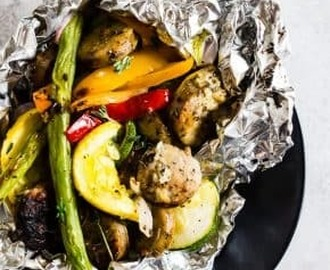 Chicken Sausage and Vegetable Foil Packet Dinner | Nutmeg Nanny