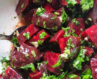 Beetroot Salad with Garlic and Parsley