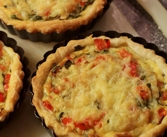 Mini quiches met rucola