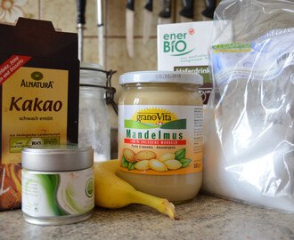 Schoko-Bananen-Matchashake (Vegan for fit)