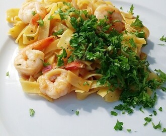 Scampi pasta with a Chreolian twist