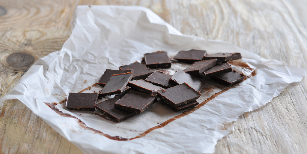 Easy Peasy Raw Peanut Butter Chocolate