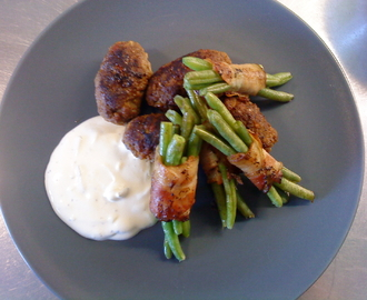 Cevapcici med baconlindade haricot verts