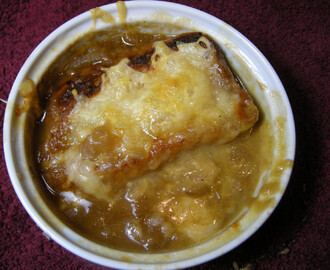 Rosie Makes Julia's French Onion Soup.