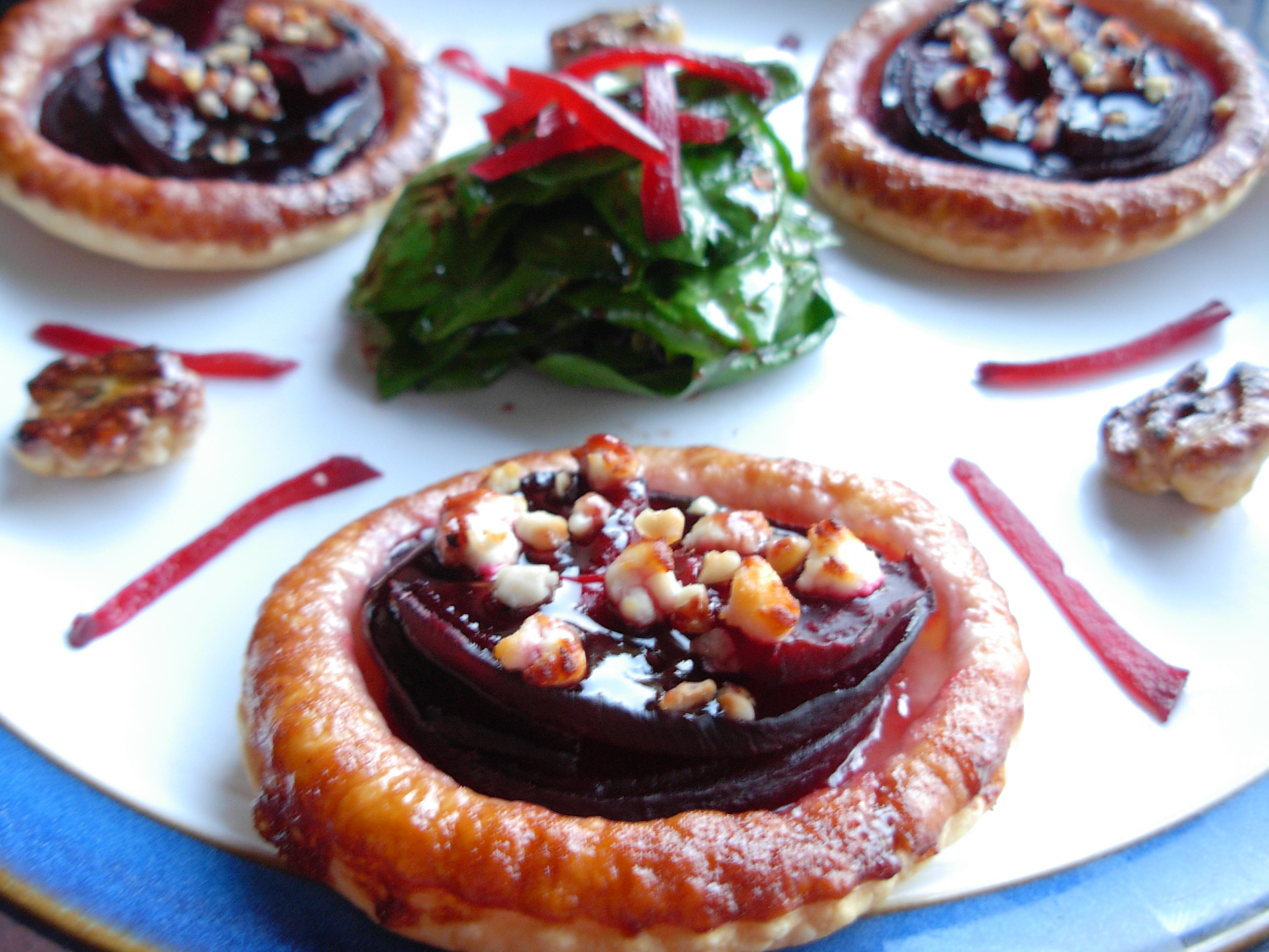 Beetroot and bramble puffed tartlets