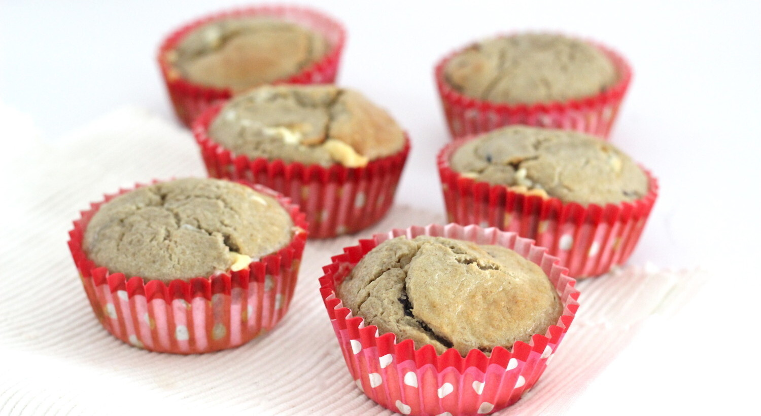 HAVERMOUT MUFFINS MET CRANBERRY EN WITTE CHOCOLADE