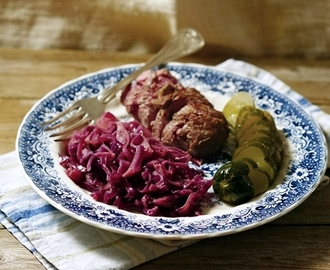 Modernia lammaskaalia / Lamb roast with stewed red cabbage