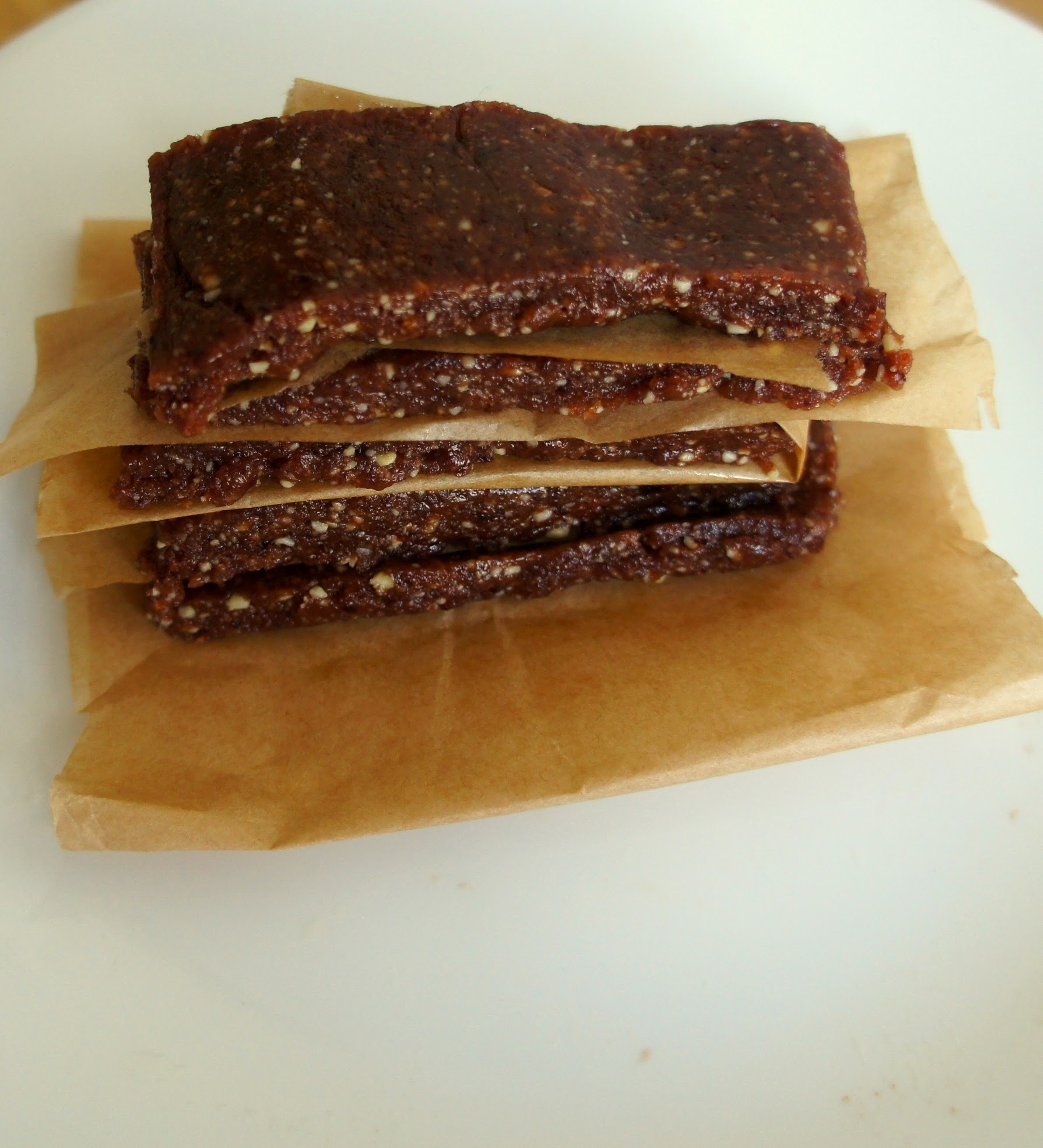 Raw vegan bakewell tart bars
