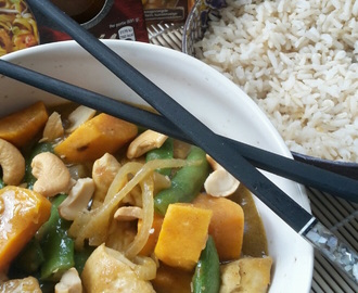 Thaise curry met sugarsnaps en cashew