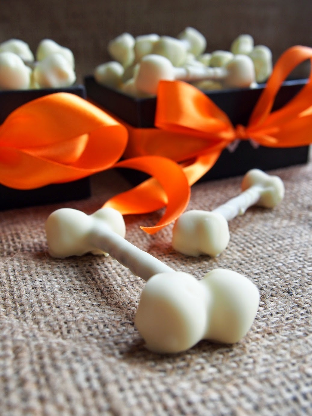 Halloween Valkosuklaaluut - Halloween White Chocolate Bones