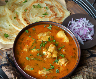 Chicken Salna with Parotta