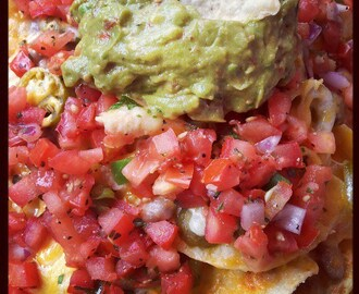 Nachos with Fresh Tomatoes, Pinto Beans and Chiles