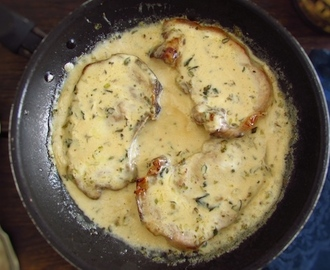 Costeletas com molho béchamel | Food From Portugal