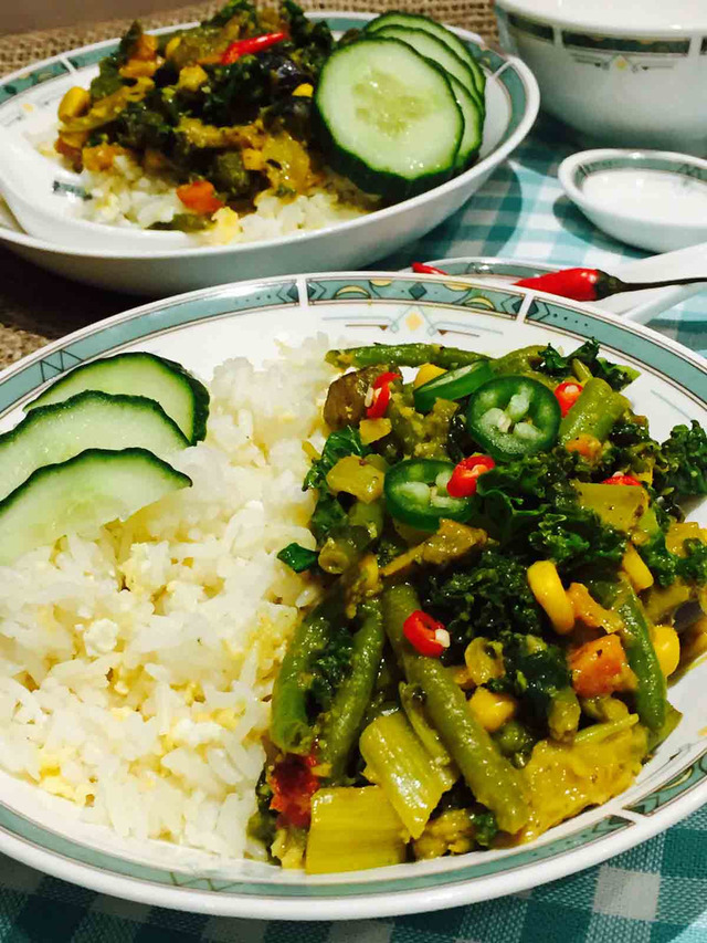 Vegetarian Thai curry on egg-fried rice