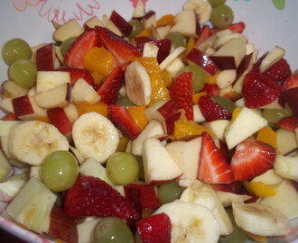 Fruit Salad with Peach Dressing