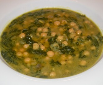 Chickpeas & spinach soup