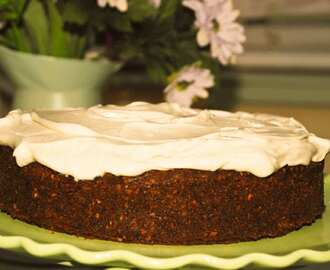 Spiced carrot cake with vanilla mascarpone cream