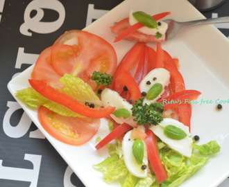TOMATO MOZZARELLA SUMMER SALAD WITH FRESH BASIL