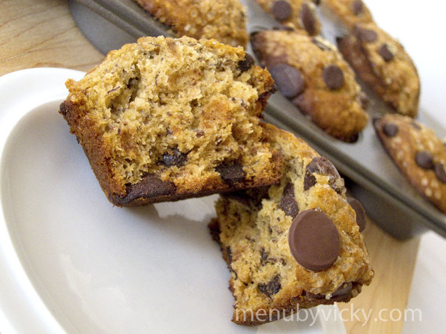 Speculoos Banana Chocolate Chip Muffins