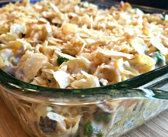 Sweet Little Bluebird: Old Fashioned Tuna Noodle Casserole