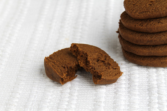 Spicy Gingerbread Cookies - vegan