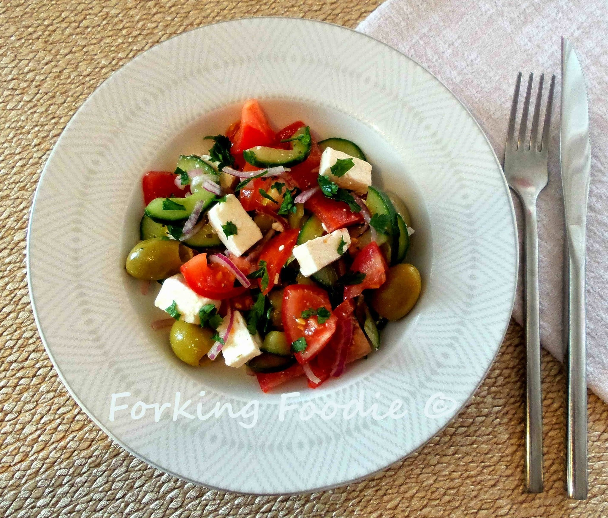 Greek Village Salad (Horiatiki Salata)