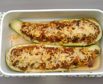 Mexicaans gevulde courgettes