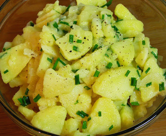 Kartoffelsalat; German Potato Salad