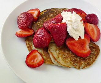 Gluten Free Banana Pancakes with Strawberries
