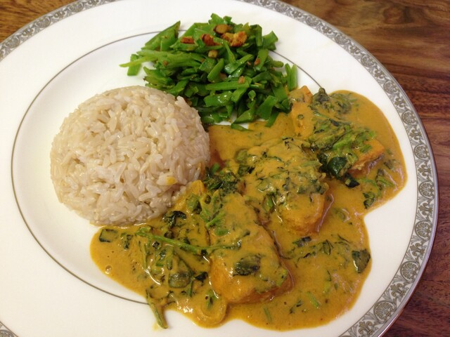 Salmon & Watercress With Almond Curry Sauce